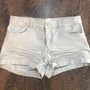 H&M Khaki Short Shorts😉